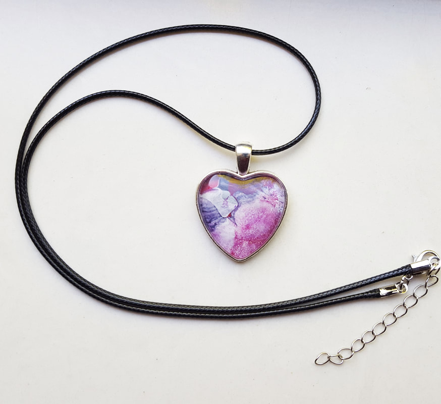 Heart Shaped Pendant Pink